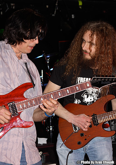 Jon Finn with Guthrie Govan - by Ivan Chopik