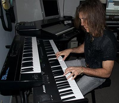 George Bellas - Keyboards